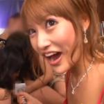 【ドレス】明日花キララがプレス○ージファン感謝イベントで実況しながらフェラ!!