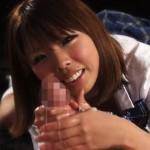 【無修正】女子校生コスで特大チンポをローション手コキでぬるぬる快感責めをして楽しむ痴女!