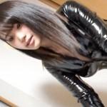 マシンバイブを持つセルフ潮吹き美女【MGS動画】ラバースーツ着衣リアル不二子で中イキ中出しSEX!
